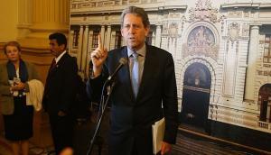 AFP: Un grupo político y otro técnico trabajarán la reforma