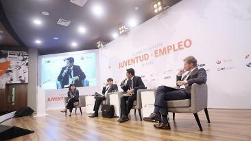 Juventud y empleo en Perú: Expertos discutieron ambos temas