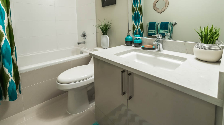 Foto c mo quitar las manchas de vidrios y duchas con - Como quitar la cal de la ducha ...