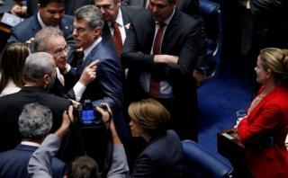Brasil: Gritos y caos interrumpen juicio contra Dilma Rousseff