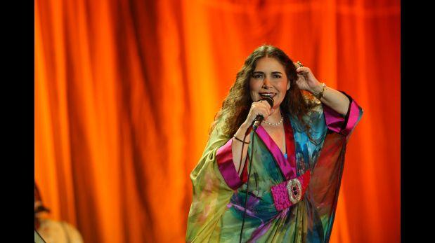 Tania Libertad en marzo del 2010, cuando ofreció un concierto en Lima, en el Círculo Militar de Jesús María.