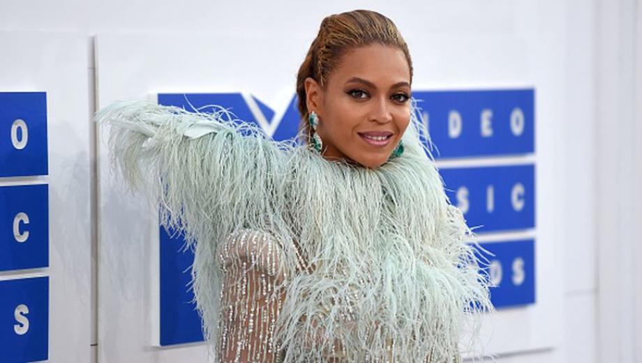 El look de los famosos en los MTV Video Music Awards