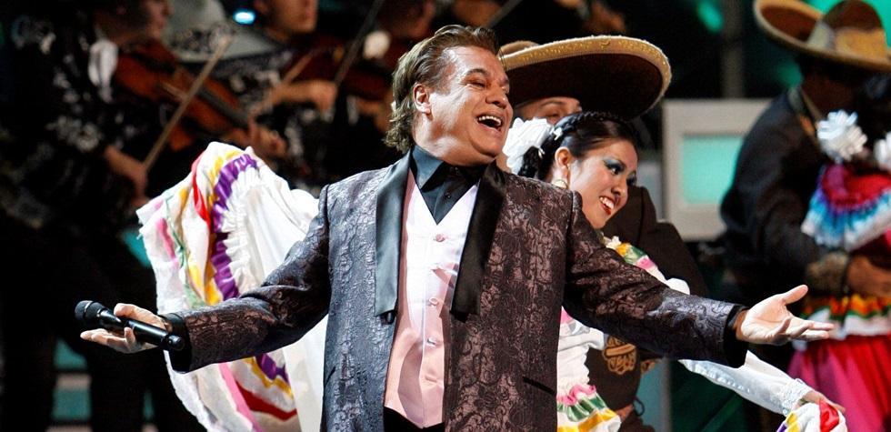 El cantante mexicano murió en California