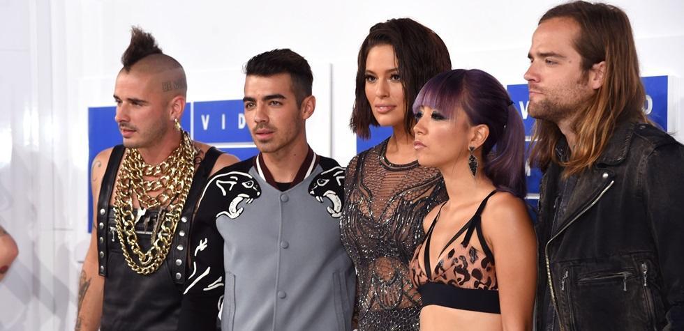 El look de los famosos en los MTV VMA's