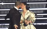 Drake le declaró su amor en vivo a Rihanna y ella reaccionó así