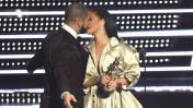 Drake le confesó su amor en vivo a Rihanna y ella reaccionó así