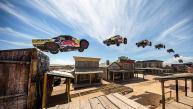 Baten récord de salto sobre una pick-up [VIDEO]