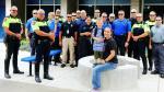Acompañan en su primer día de clases a hijo de policía muerto - Noticias de jessica smith