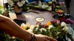 Juan Gabriel: fans le rinden homenaje en el Paseo de la Fama - Noticias de las mujeres de negro