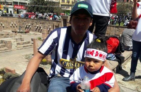 Selección: gran presencia de hinchas peruanos en La Paz