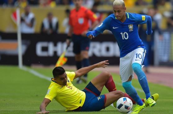 Neymar estrenó look en triunfo histórico de Brasil en Quito