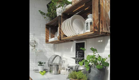 Fantasticas ideas para crear repisas con jabas y palets - Muebles para cocina economica ...