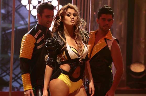 Angie Arizaga bailó con Nicola Porcella en
