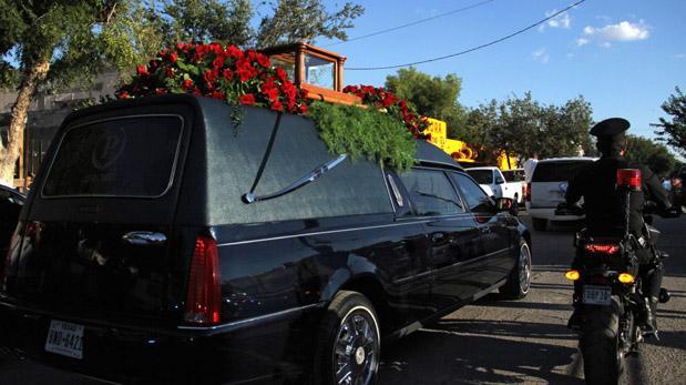 Estiman un millón de personas en homenaje a Juanga