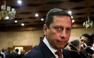 Otro alto funcionario involucra a Nadine en presunta usurpación