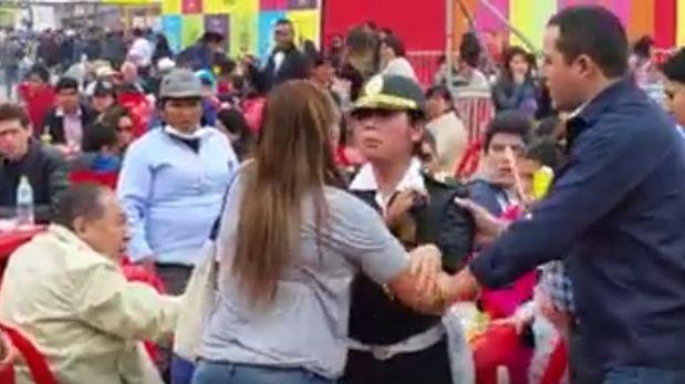 Dos mujeres pelearon por una silla en feria Mistura [VIDEO]