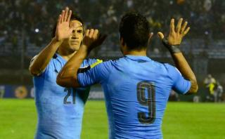 Uruguay goleó 4-0 a Paraguay con doblete de Edinson Cavani