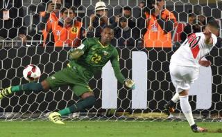 Perú abrió marcador contra Ecuador con este penal de Cueva