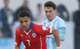 Alexis Sánchez aseguró que tiene el mismo nivel de Messi