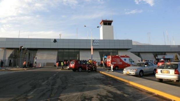 Cierran aeropuerto por falsa amenaza de bomba — Arequipa