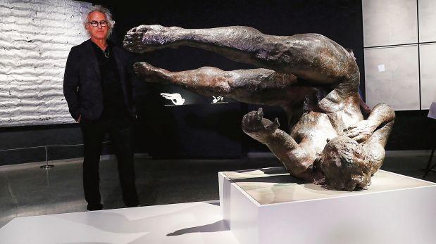 """Tumbling Woman"""", del artista Eric Fischl, una inquietante representación de las víctimas del atentado del 11-S. (Foto: AFP)"""