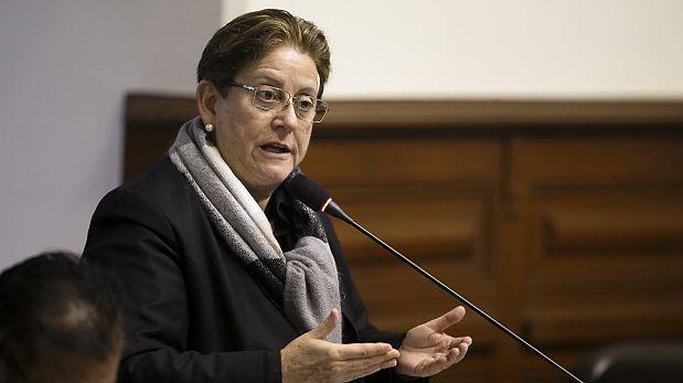Yeni Vilcatoma denunció a Héctor Becerril ante Comisión de Ética