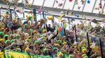 Hinchas holandeses lanzan 'lluvia de peluches' en emotivo gesto - Noticias de sophia sophia