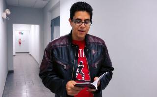 """Ernesto Carlín nos lee su novela """"Ovnis en los Andes"""" [VIDEO]"""