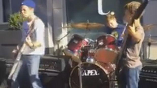 3 niños regalan sorprendente 'medley' de Metallica [VIDEO]