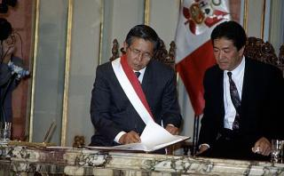 Buscan restituir la firma de Alberto Fujimori en Constitución