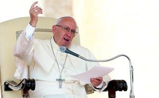 Papa: Sustituir a Dios por la riqueza es como hacer un autogol