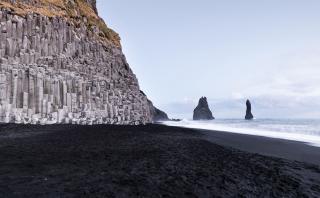 Sorpréndete con estas playas negras alrededor del mundo