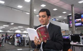 """Luiz Carlos Reátegui nos lee su novela """"Isabella Nápoles"""""""