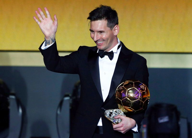FILE PHOTO - FC Barcelona's Lionel Messi of Argentina holds the World Player of the Year award during the FIFA Ballon d'Or 2015 ceremony in Zurich, Switzerland, January 11, 2016.  REUTERS/Arnd Wiegmann/File Photo