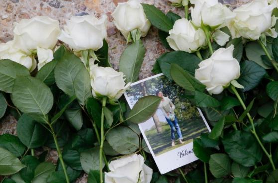 Francia rinde vibrante homenaje a las víctimas del terrorismo