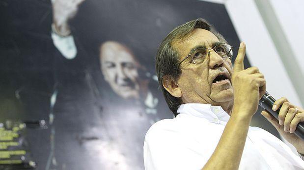 Plagio: tildan de vergonzoso escándalo de congresista Elías Rodríguez