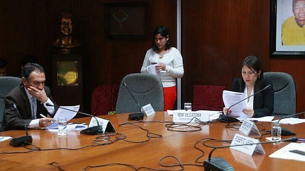 Comisión de Ética abre indagación contra Vilcatoma y Becerril