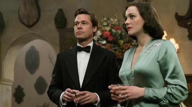 Brad Pitt junto a Marion Cotillard en el filme