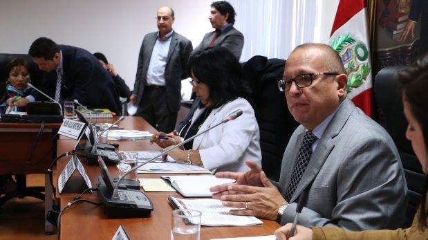 Minem negó que facultades intenten privatizar Petro-Perú