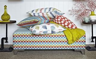 Cinco tapices primaverales para darle color a tus muebles