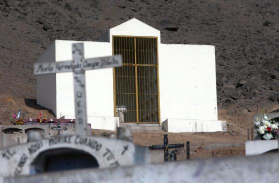 Comas: el mausoleo construido para los senderistas [FOTOS]