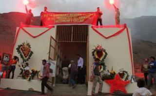Mausoleo en Comas y la versión de los familiares de sepultados