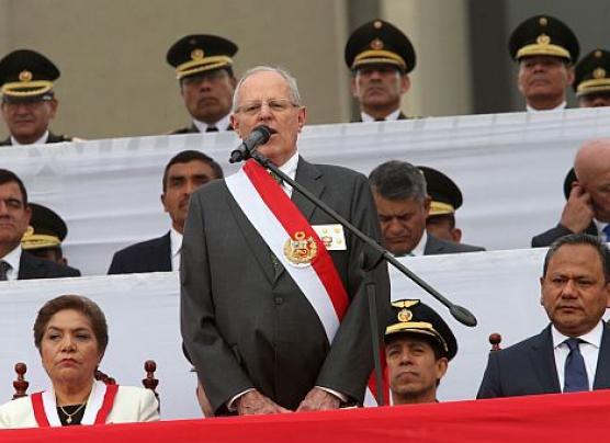 """PPK espera con """"optimismo y paciencia"""" aprobación de facultades"""