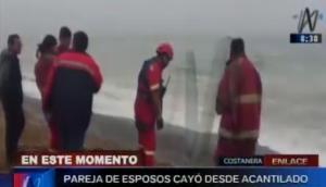 Costanera: rescatan a pareja de esposos que cayó por acantilado