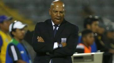 Alianza Lima y Roberto Mosquera discuten términos de rescisión