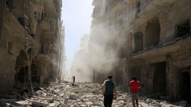 Régimen sirio bombardea Alepo
