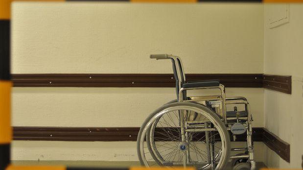 Un mal diagnóstico lo postró en una silla de ruedas por 43 años