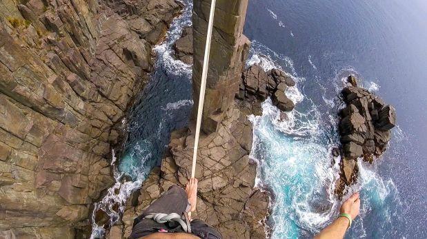 YouTube: equilibrista casi cae de cuerda floja a 32 metros