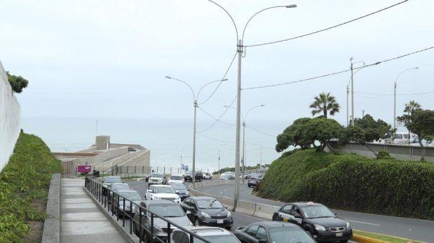 El puente peatonal entre Miraflores y San Isidro se ubicará sobre la bajada San Martín. (Difusión)