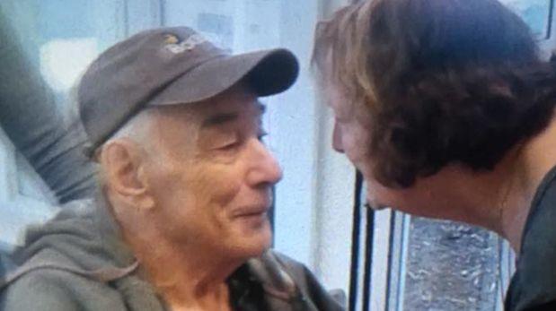 Emotivo encuentro de pareja que se separó tras 62 años juntos